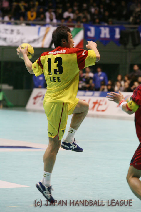 No.13 Lee Jae-Woo