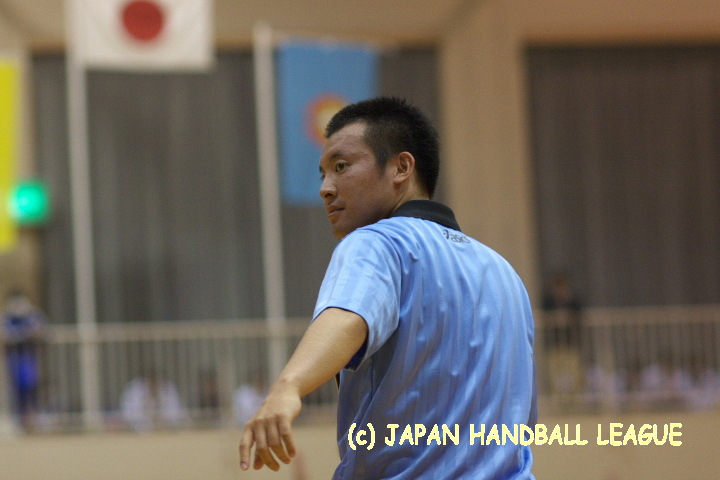 Referee Shota Honda